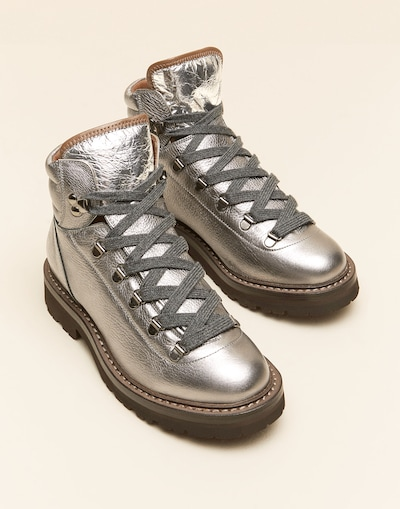new style f5292 554fa Sneakers