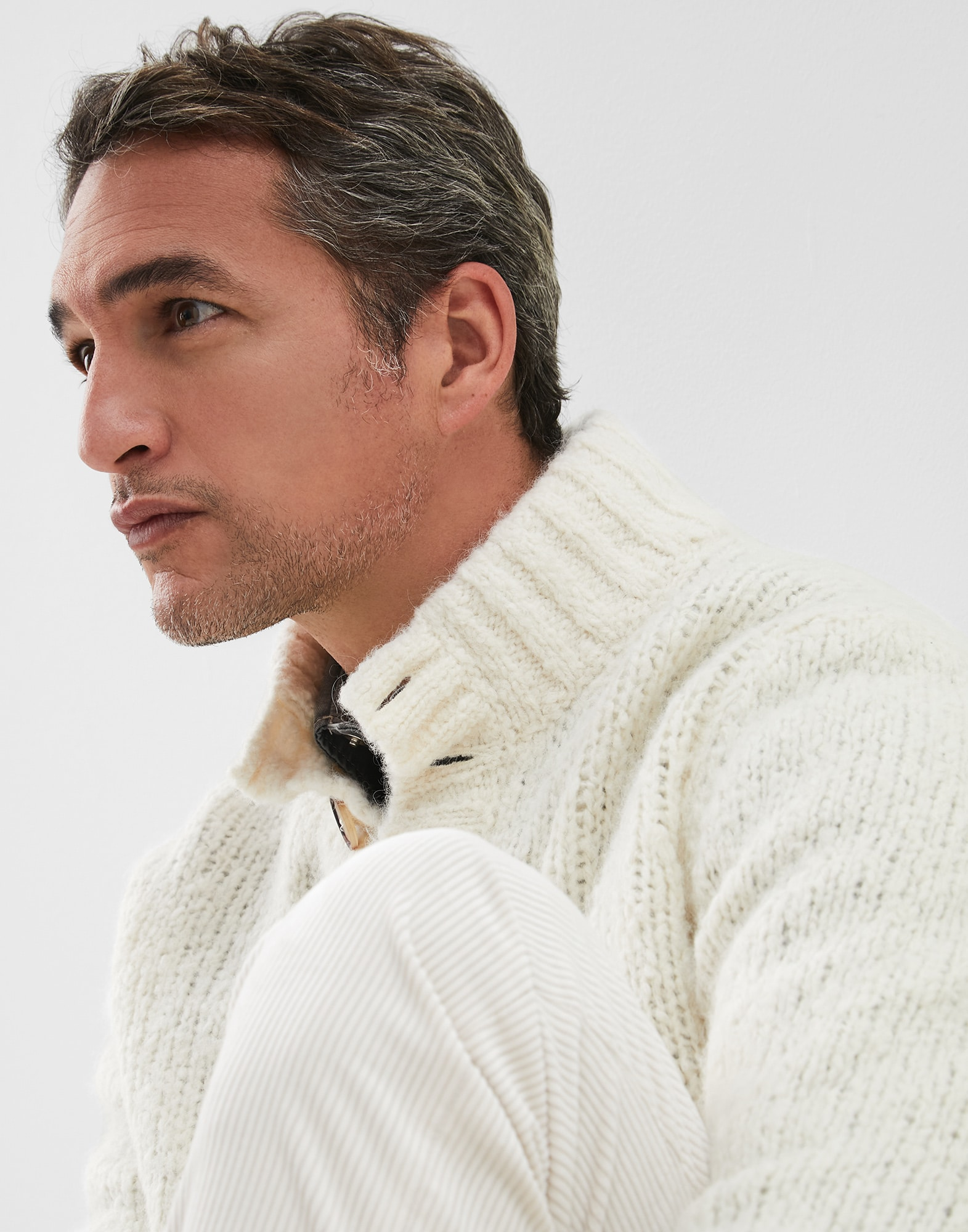 High Neck Sweater - Detail