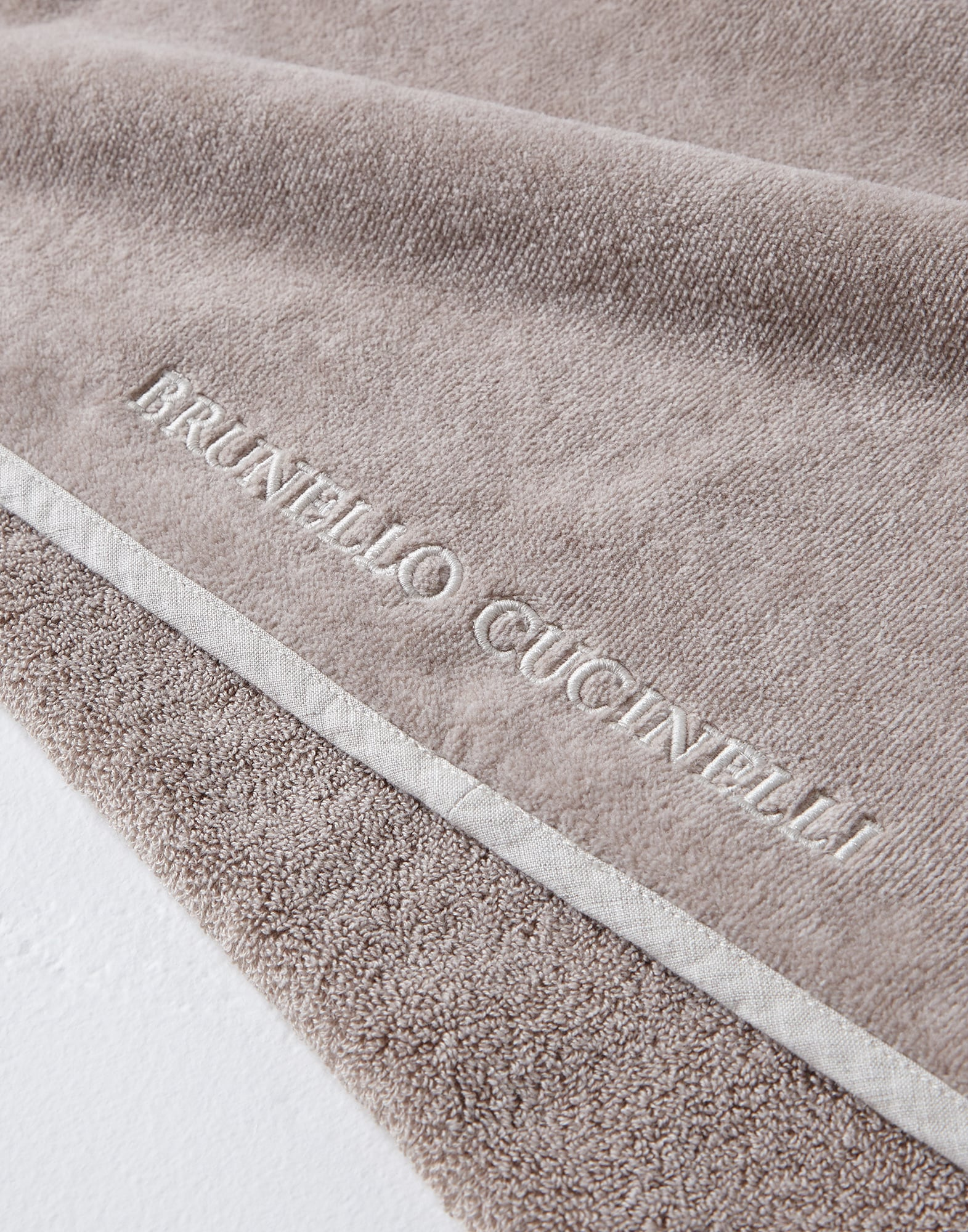 Bath Towels Desert Lifestyle 2 - Brunello Cucinelli