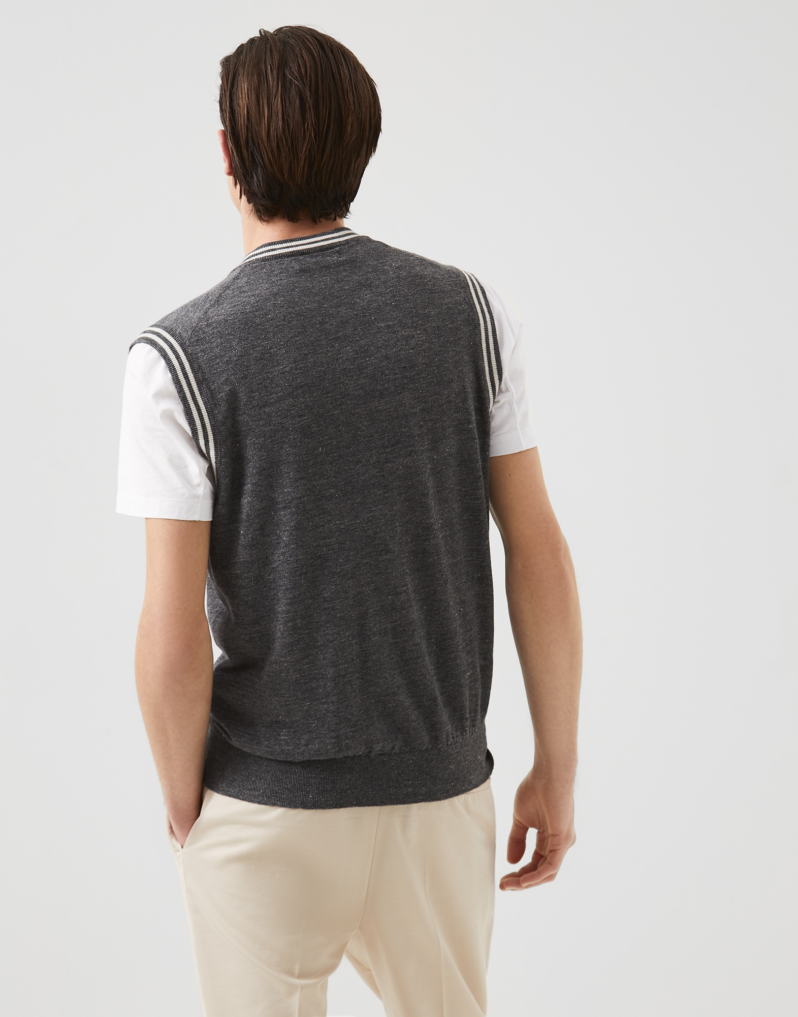 V-neck - Back view