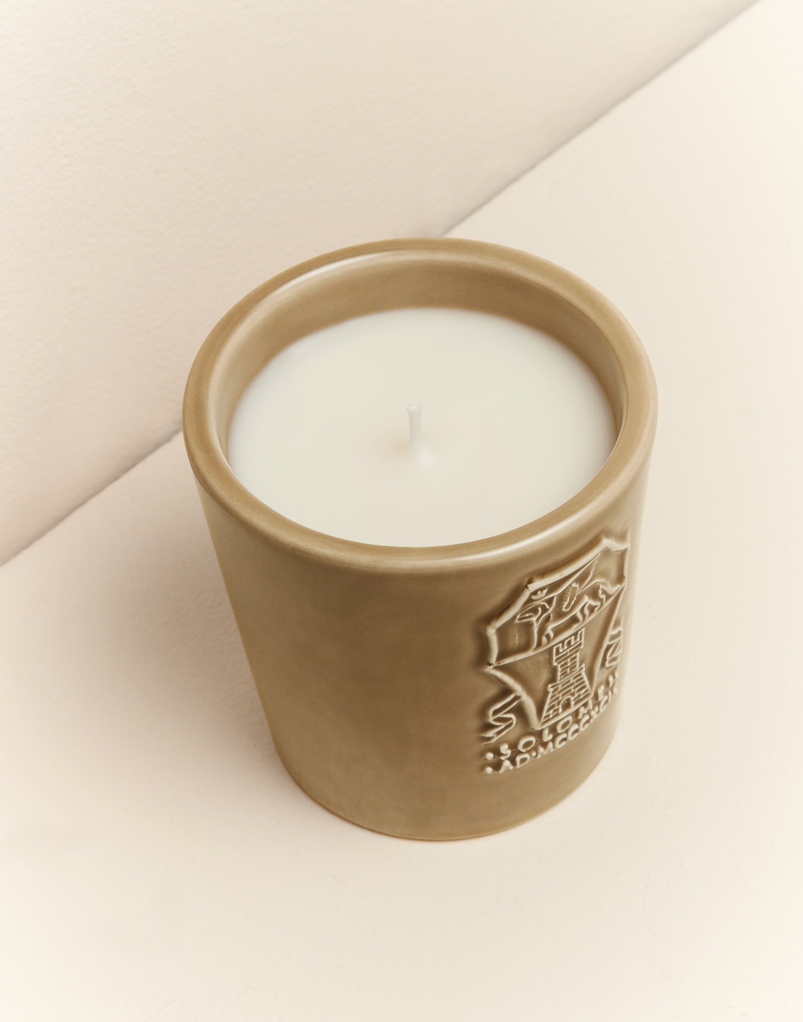 Candles Beige Lifestyle 2 - Brunello Cucinelli