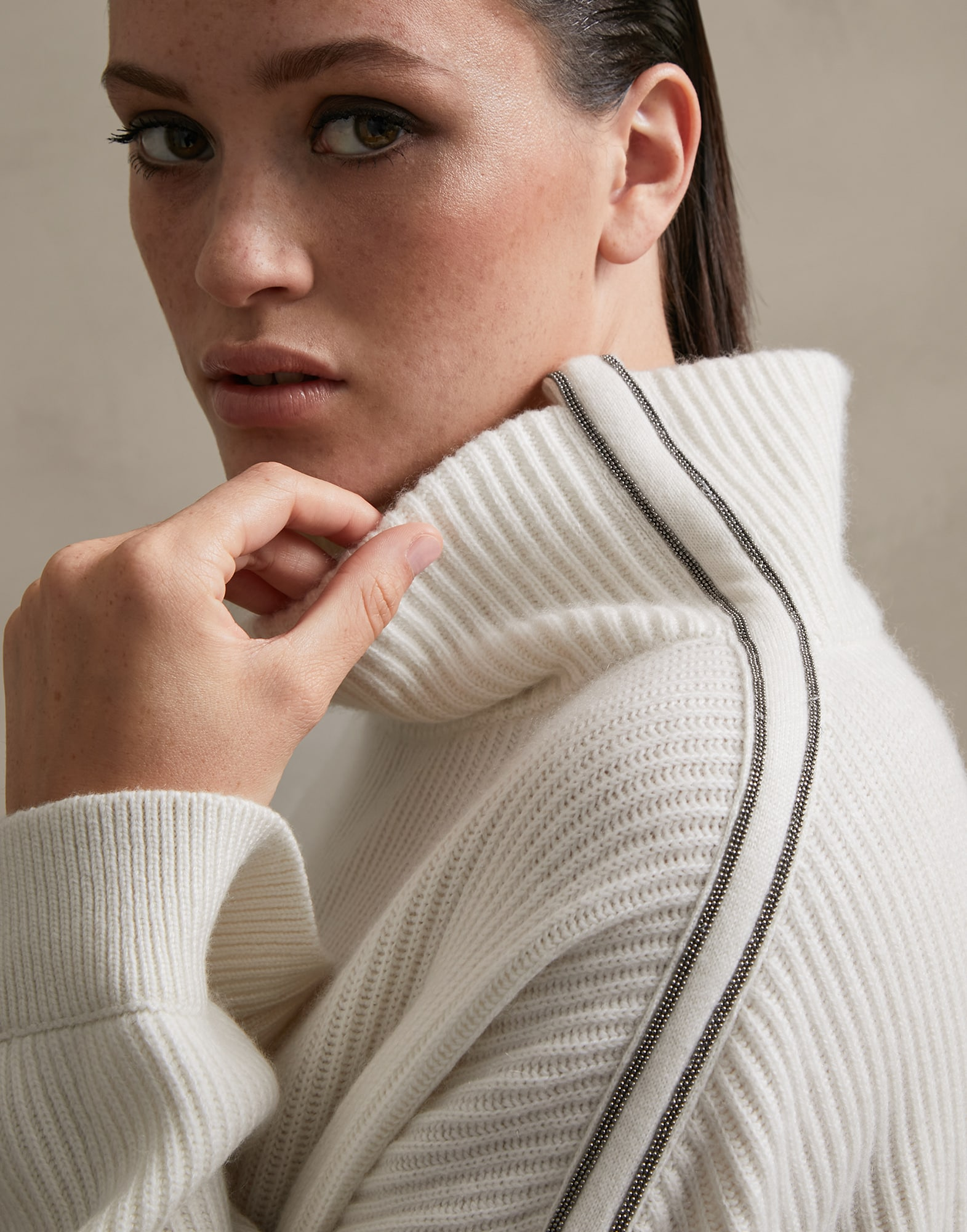 High Neck Sweater - Detail view