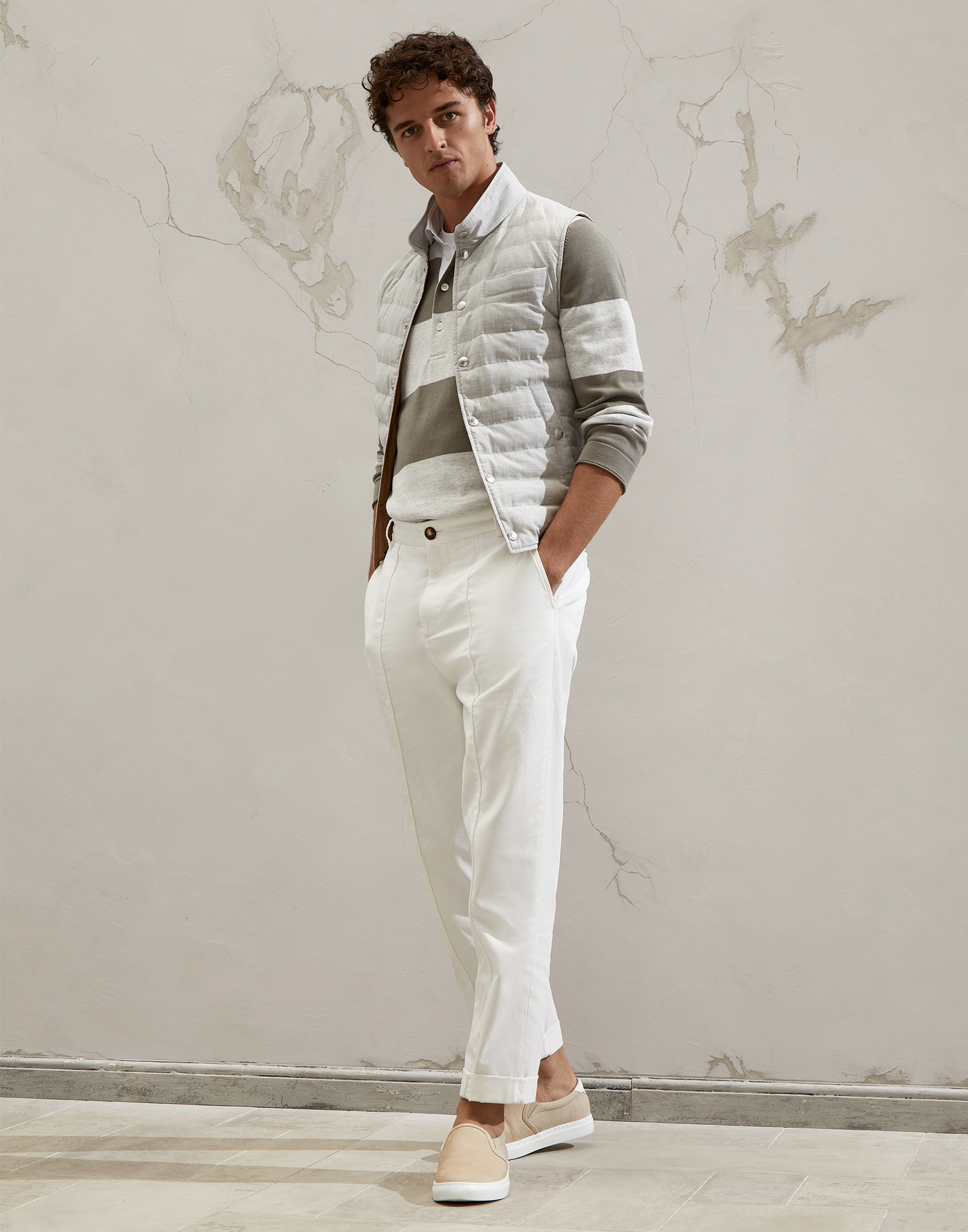 Polo-Style Sweater - Full look