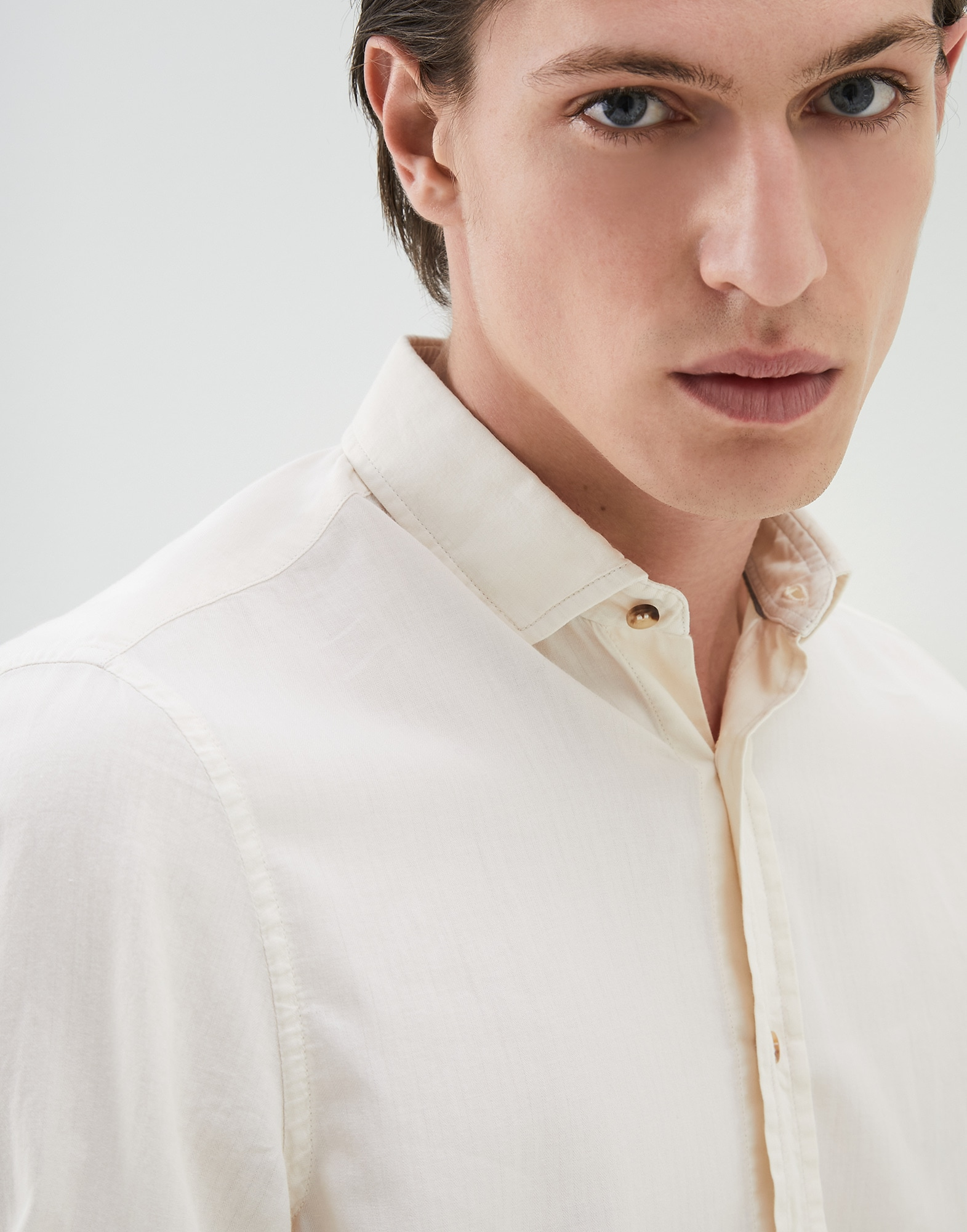 French Collar Shirt Off-White Man 3 - Brunello Cucinelli