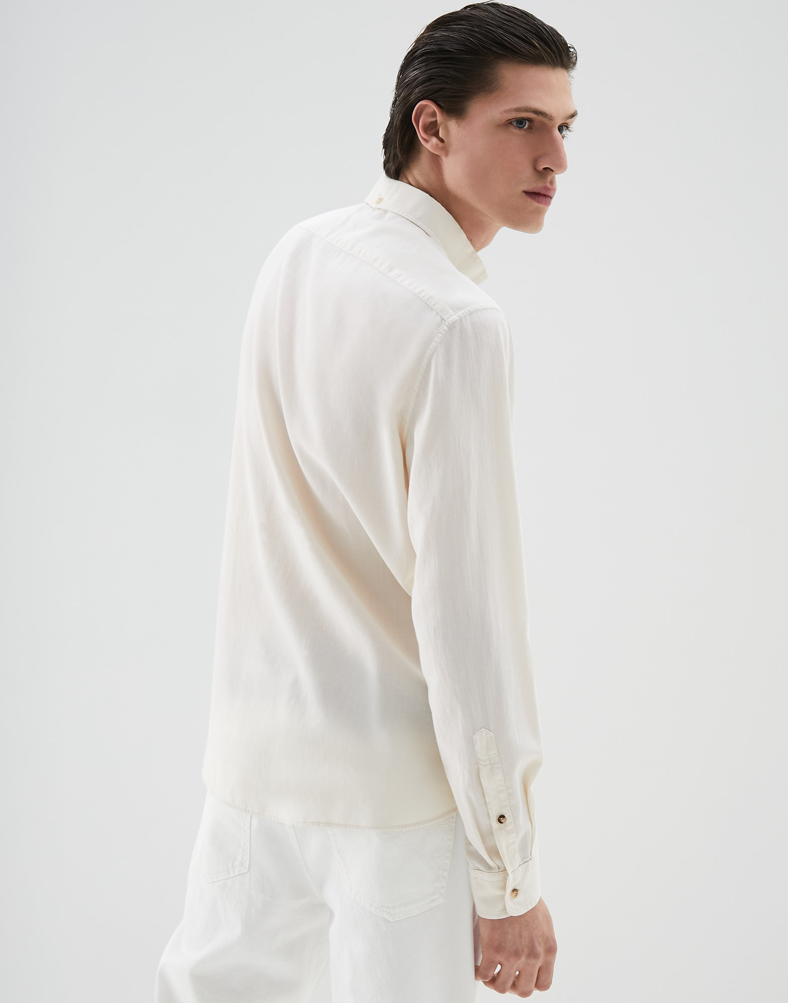 French Collar Shirt Off-White Man 2 - Brunello Cucinelli