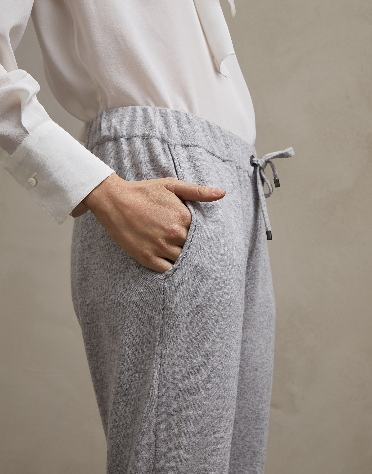 Sweatpants - Detail view