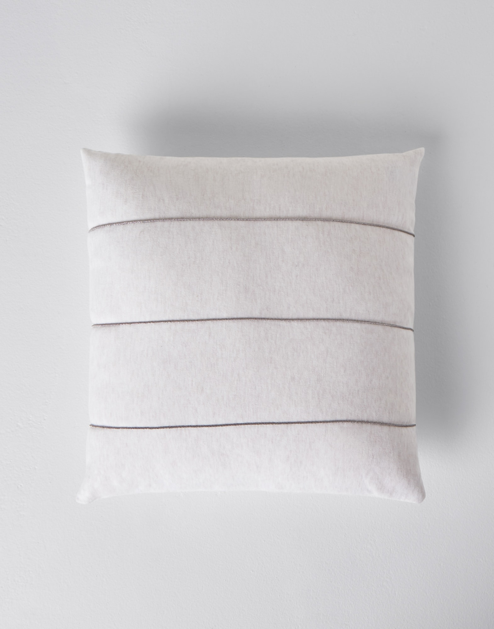 Fabric Cushions Oat Lifestyle 1 - Brunello Cucinelli