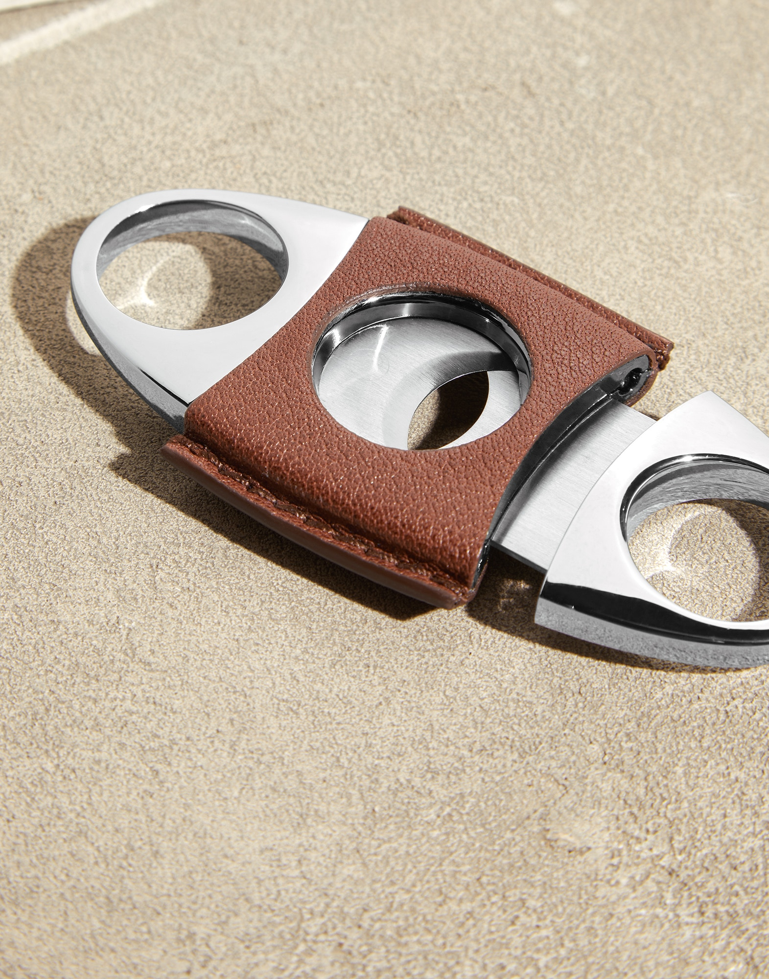 Cigar Cutter - Detail view