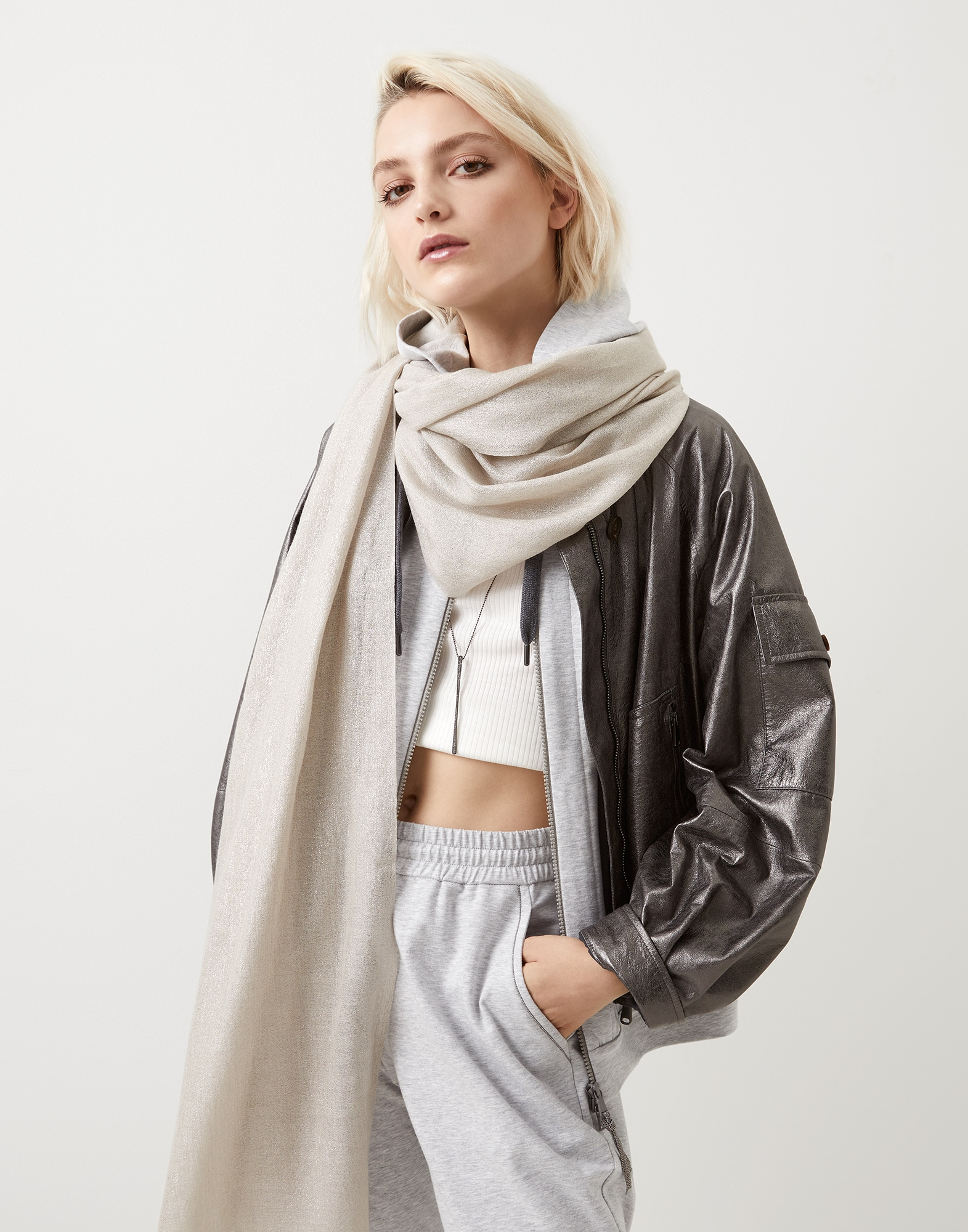 Solid Scarf - Editorial