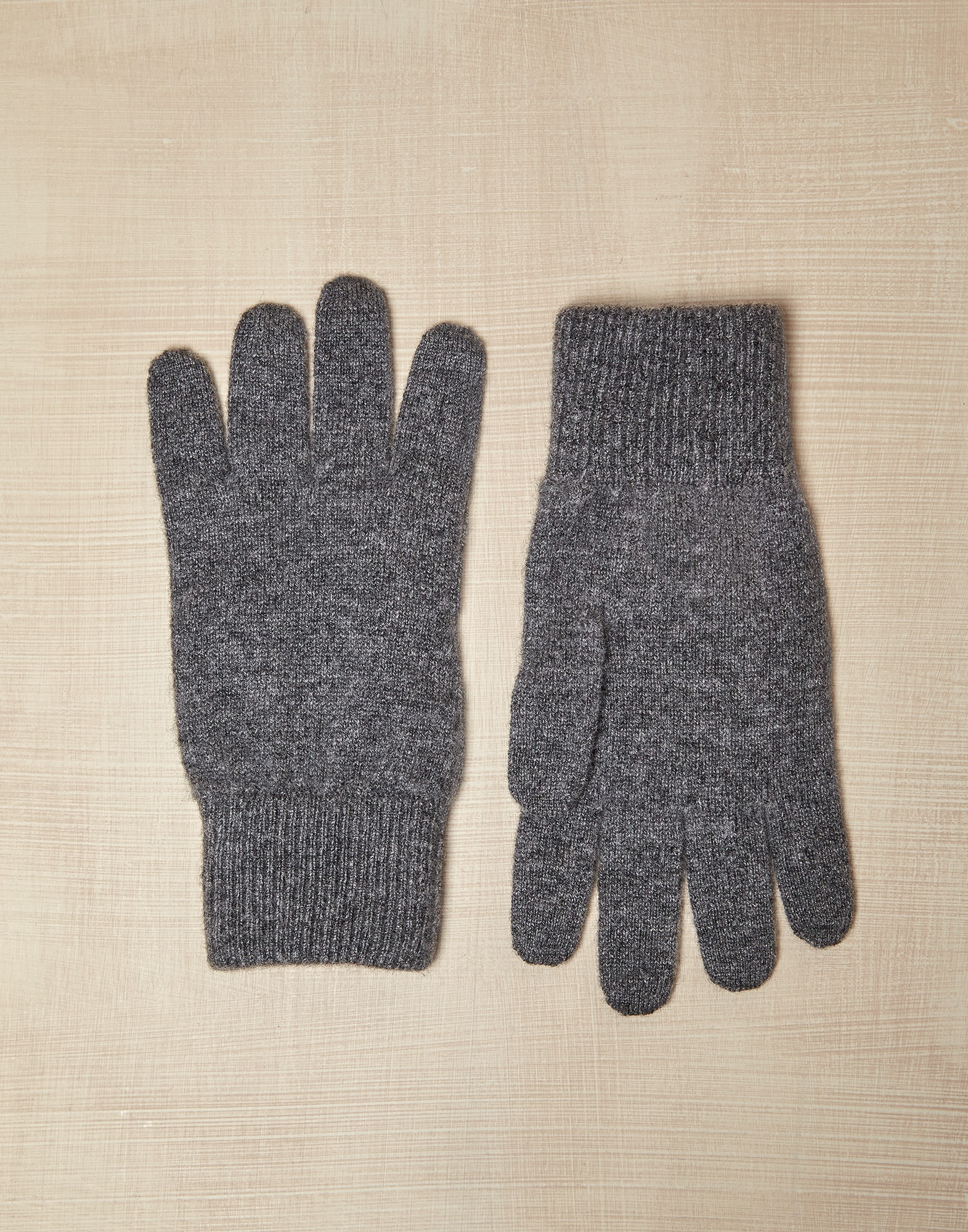 Gloves & Hats - Front view
