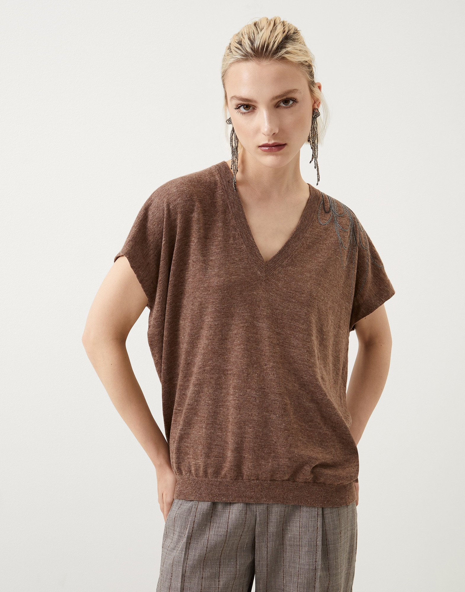 V-neck - Front view